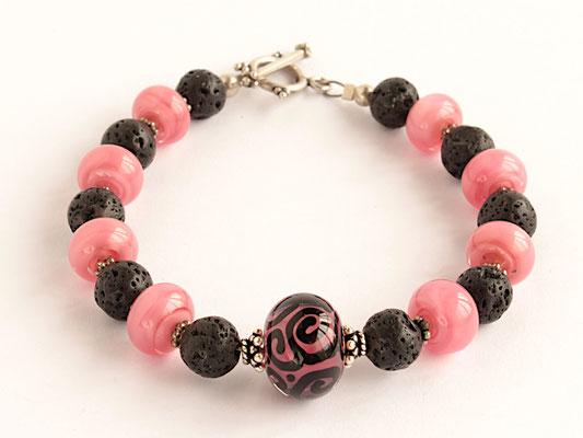 Armband in rosa und schwarz, mit Lava