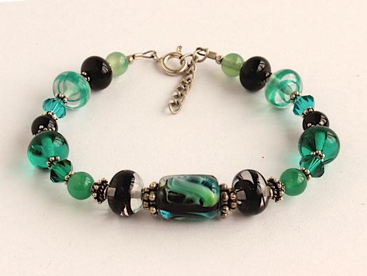 Armband in grün und schwarz