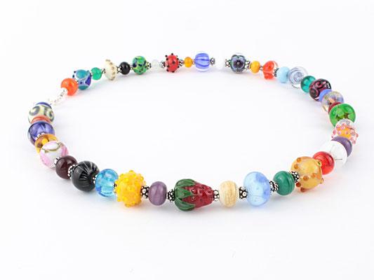 Glasperlen Unikat Kette Bunt aus kleineren Perlen