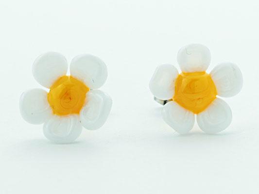 Ohrstecker Blüten weiss