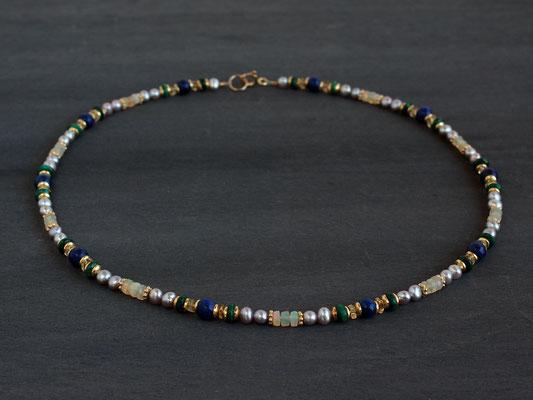 Unikat-Kette Lapislazuli, Opal und grauen Perlen