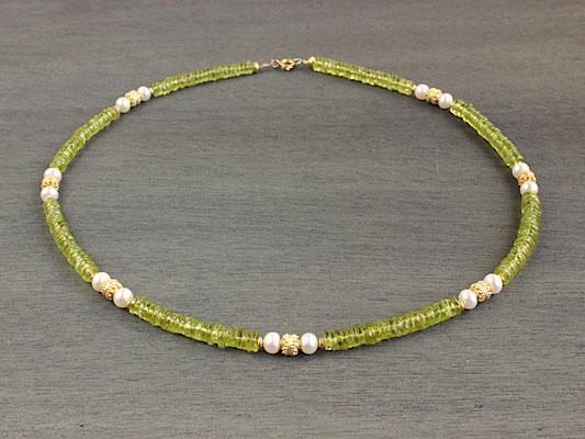 Unikat-Kette aus Peridot und Perlen