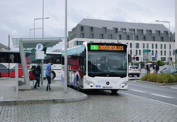 Mercedes Citaro 2 N n°81, arrêt Gares le jour de l'inauguration du nouveau réseau.