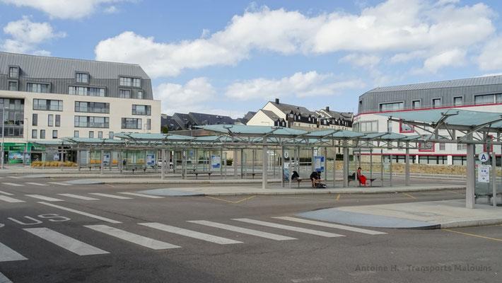 Les quais A à E de la gare. Photo Antoine H.