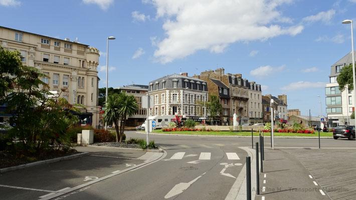 Rond Point à l'entrée du boulevard des Talards. Photo Antoine H.