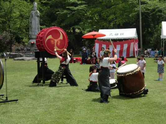 5月8日の例大祭 真紅舞