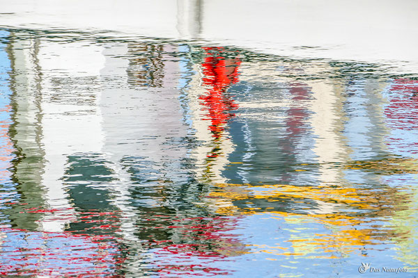 Wasser - Farben - Spiegel Bild 018 Foto: Regine Schulz