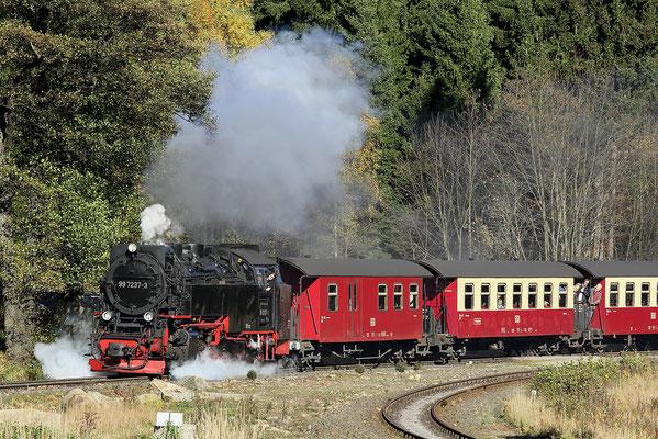 Harzer Schmalspurbahnen - Brockenzug verlässt den Bahnhof Drei Annen Hohne - Bild 010 - Foto: Regine Schadach