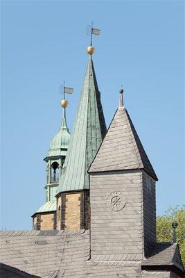 Blick auf die Türme der Marktkirche und des Großen Heiligen Kreuzes - Foto: Regine Schadach