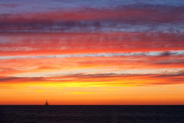 Sonnenuntergang an der Westjütlandküste bei Vrist - Bild 001 - Foto: Regine Schadach