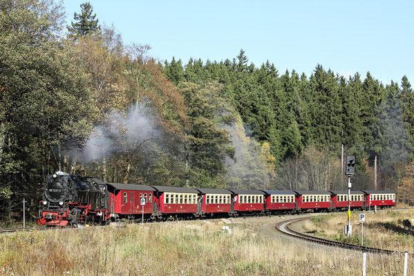 Harzer Schmalspurbahnen - Brockenzug verlässt den Bahnhof Drei Annen Hohne - Bild 012 - Foto: Regine Schadach
