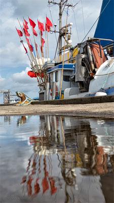 Fischerboot im Hafen von Thyborøn - Foto: Regine Schadach Olympus OM-D E-M1 Mark II - M.ZUIKO DIGITAL ED 12‑100 1:4.0 IS PRO