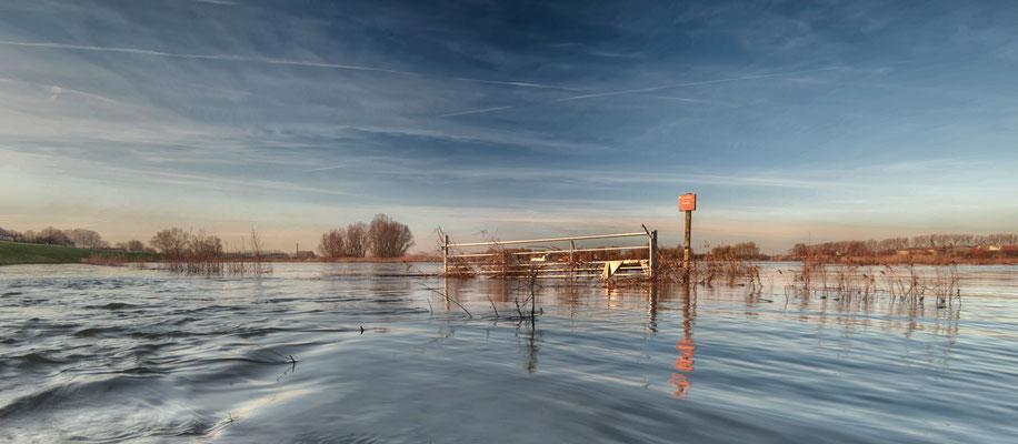 Land unter, Hochwasser bei Keekerdom, NL