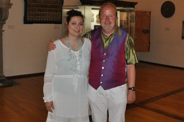 Ljiljana Winkler mit ihrem Manager Michael Britz im Maximilianmuseum in Augsburg bei der langen Nacht der Künste.