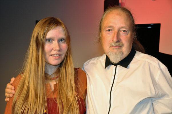 """KuBe Konzert """"Trallskogen"""", Annika Jonsson (Trollkönigin) mit Michael Britz (Oberelfe) am 05.10.2018 im Leidinger, Saarbrücken."""