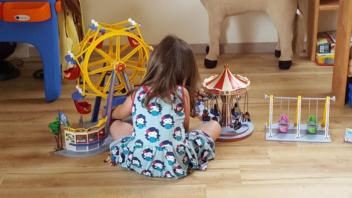 Unsere Kleine hat einen Playmobil-Freizeitpark aufgebaut