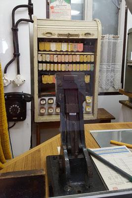 Fahrkartenausgabe von früher auf dem Dampflokfest Kranichstein