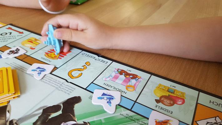 Wir spielen Monopoly