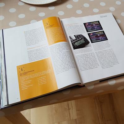 """Blick in das Buch """"Digitale Fotografie"""""""