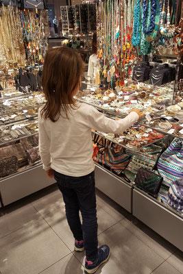 Shopping-Tour im Einkaufszentrum Loop