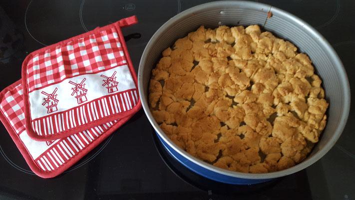 Wir backen Apfel-Streusel-Kuchen