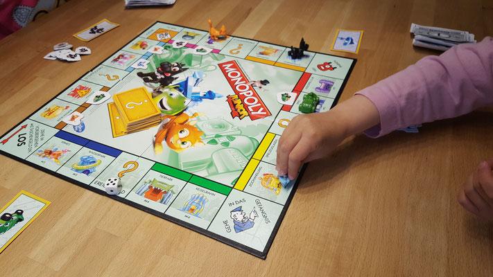 Wir spielen Monopoly Junior - das Spielbrett