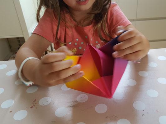 Wir basteln Papier-Boote
