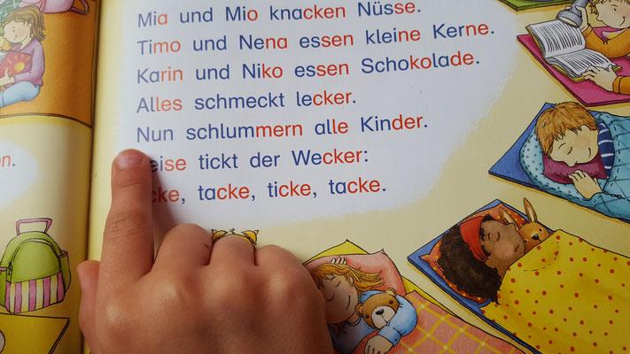 Unsere Große übt für die Schule lesen