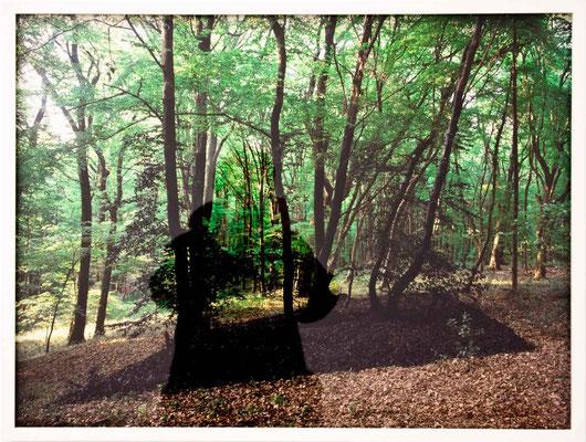 Bild 2 - Durch einen Spiegel an einem dunklen Ort