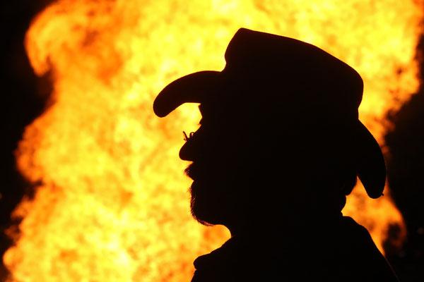 Bild 12 - Unter Feuer