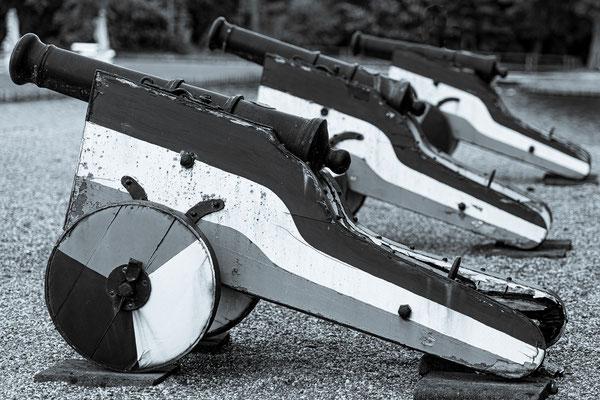 Bild 7: Drei Kanonen