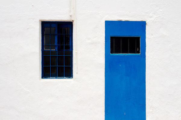 Bild 1 - Blaue Tür