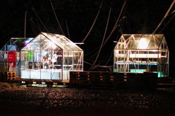 Bild 12: Gewächshaus bei Nacht