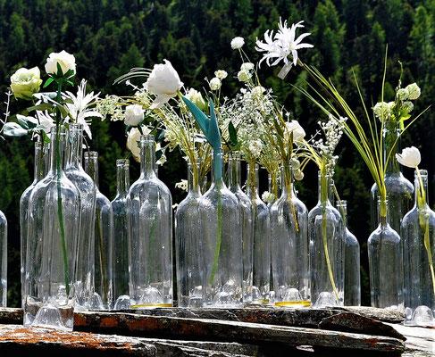 Bild 3: Bottle flowers