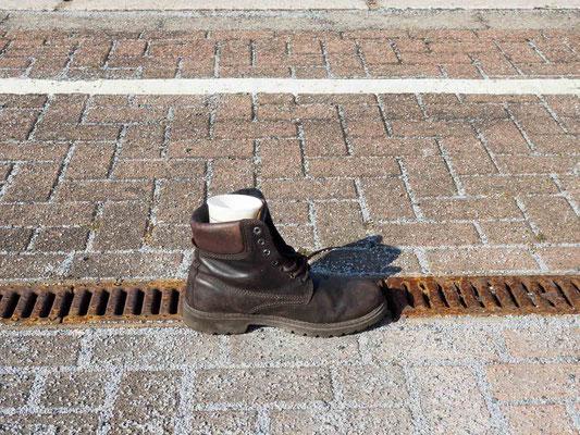 Bild 3 - Einsamer Schuh