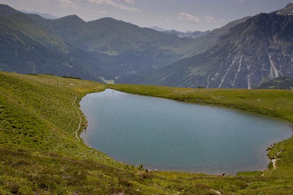 Lichtsee 2110m und im hintergrud der Obernbergersee