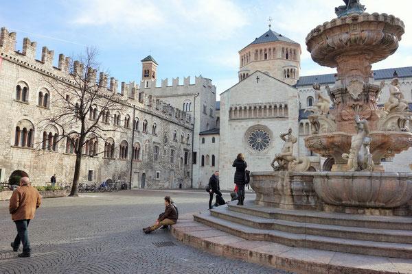 Neptunbrunnen und Kathedrale