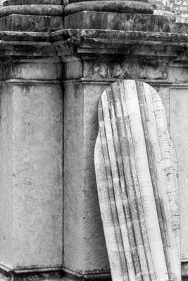 Riflessi nello specchio - Igreja Do Carmo (Chiesa del Carmine) a Lisbona