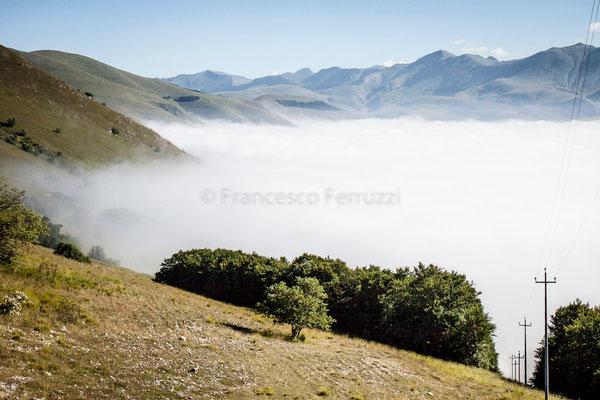 Castelluccio di Norcia - la nebbia della prima mattina