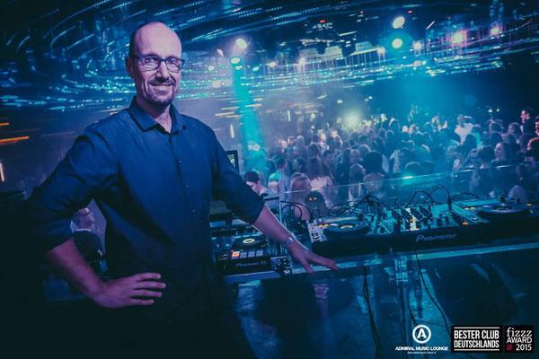 DJ Mike Skott im Admiral Gießen