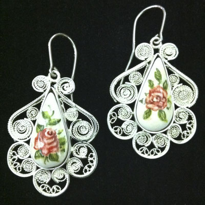 Orecchini pendenti in filigrana d'argento 925 con gocce di ceramica dipinta