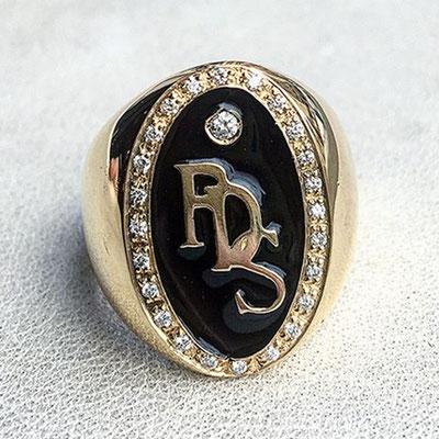 Anello personalizzato in oro 18 kt e diamante
