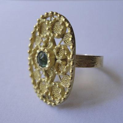 Anello in oro 18 kt con smeraldo