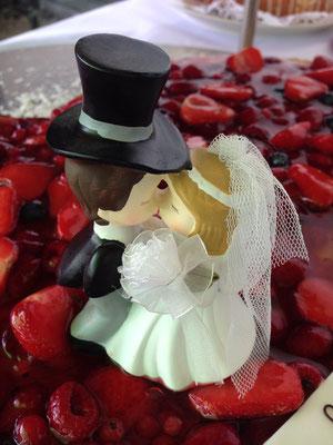 Hochzeitstorte, Erdbeerherz, Hochzeitsservice & Partyservice für München