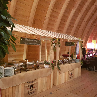 Private Feierlichkeit im Schafhof in Freising mit rusitkalen Buffetständen