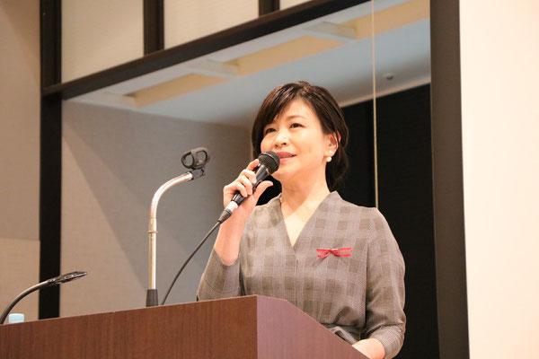 司会 田中直美さん