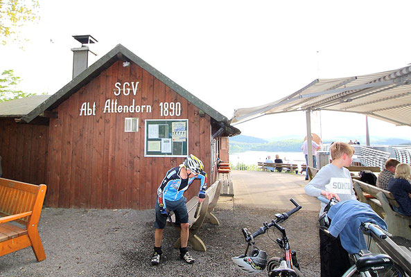 Die SGV-Hütte in Attendorn lädt zum Verweilen ein. (Foto: Tom Kleine)