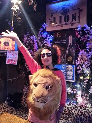 ジャングルバー LION(ジャングルバー ライオン) スタッフ写真画像 TEL089-947-8209  松山市二番町2-7-15 吉田ビル3F