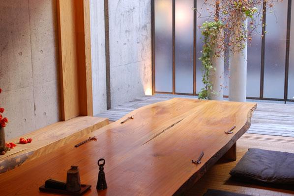 江戸前一朗(エドマエイチロウ) テーブル席写真画像