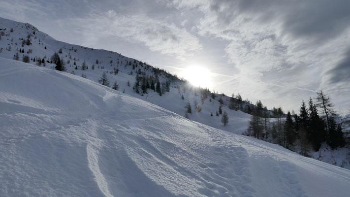 Nasser Schnee Richtung Weirigg, bin aber vorher links rauf
